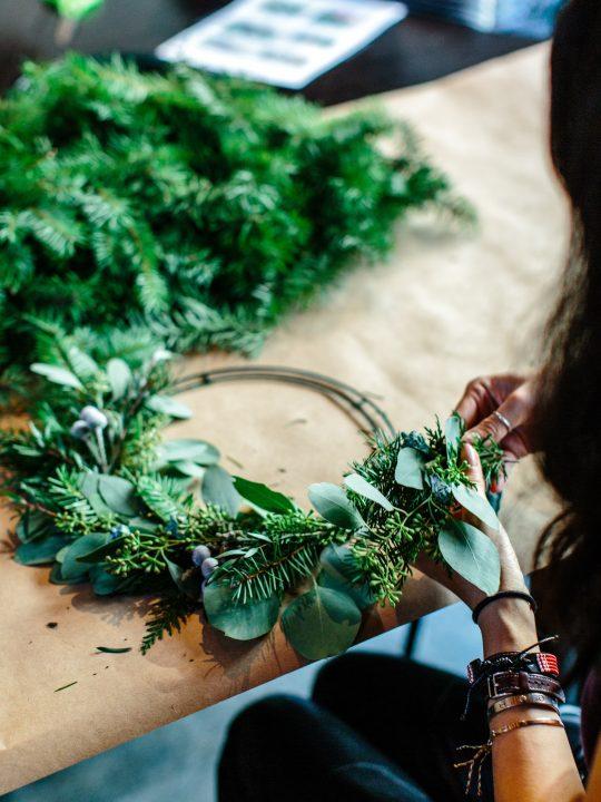 20+ Upcycled Christmas Decor Ideas