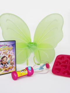 Step into the kitchen and get cooking with the fairy best team! Butterbean's Café: Let's Get Cookingis available now on DVD! Enter the giveaway for a fairy treat kit! #giveaway #paramount #butterbeanscafe